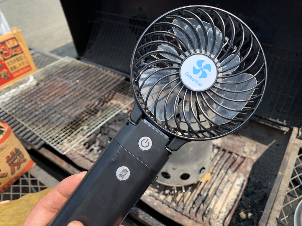 ハンディ扇風機のアウトドア的使い方